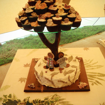 For Jess and Toby. Based on the design of a tree - as you can see, I wanted as much as possible to be edible and very in tune with nature, like my lovely friend Jess. The base cake inspired from my stay in Seville was an Almond, Orange and Cardamom, flourless cake. Carrot Cake Cupcakes with Glazed Edible Flowers, and Spicy Gingerbread Bride and Groom. By the morning it was gone....