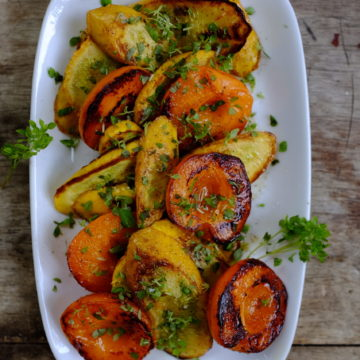 Grilled Apricot, Courgette and Basil Salad